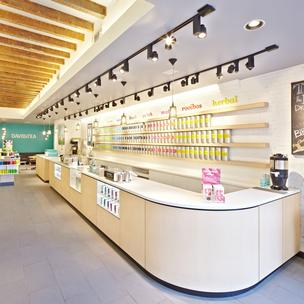DavidsTea stores are designed to be light and bright.
