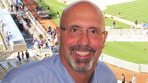 Jim Deshaies has inked a four-year deal to do TV color commentary for the Chicago Cubs, starting with the 2013 season.