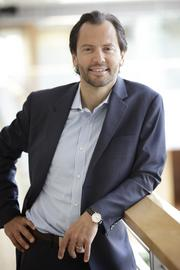 Luigi Zingales, a professor of finance and entrepreneurship at the University of Chicago Booth School of Business, is a co-founder of the Chicago Booth/Kellogg School Financial Trust Index.