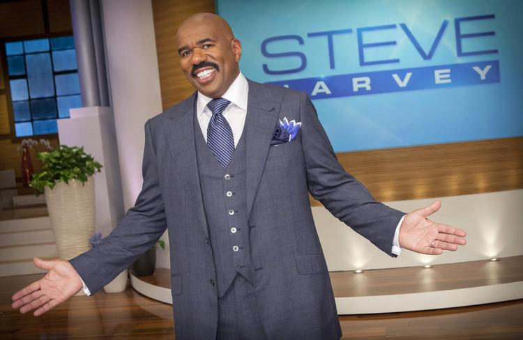 Steve Harvey debuts his new talk show taped in Chicago.