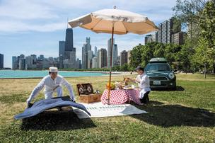A new Peninsula Moments video spotlights the Peninsula Chicago and the city in which it is located.