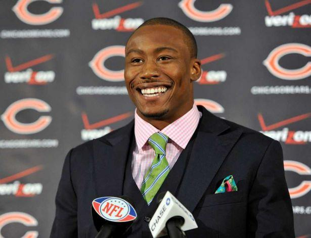 Brandon Marshall is joining the WMAQ-Channel 5 sports reporting team.
