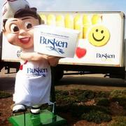 2012Then, the Buskens dressed the Mainliner Big Boy in a Busken apron. Frisch's employees were still putting the apron on him as of Nov. 20.