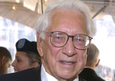 Cincinnati financier Carl Lindner