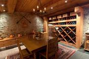 River High has a wine cellar that can hold more than 600 bottles. It is equipped with its own cooling system.