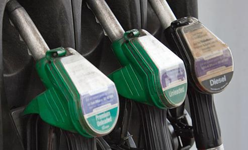 Pump prices fell slightly in New Mexico this week.