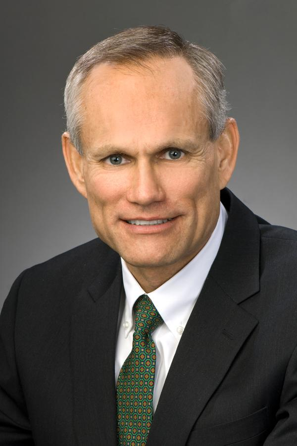 Huntington is beefing up its specialty banking business with its latest hire, Peter Arendt, who will oversee food and agribusiness banking.