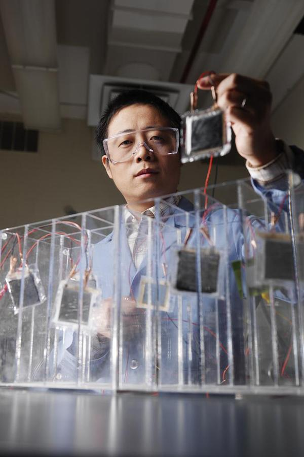 David Wang at the Pacific Northwest National Laboratory, where its work includes testing lithium-ion batteries for vehicle and mobile applications.