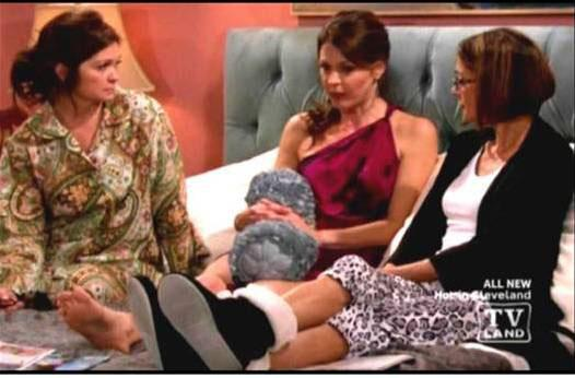 Dearfoams slippers manufactured and marketed by Pickerington's R.G. Barry Corp. made their way into TV Land's 'Hot in Cleveland.'
