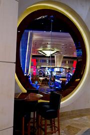 Diners wanting a more upscale meal, with a view of the casino floor, can opt for the Final Cut steakhouse.