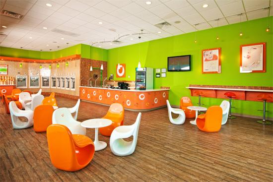 A new Orange Leaf Frozen Yogurt shop is opening at the intersection of State Highway 151 and Loop 410.