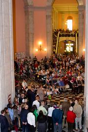 Visitors packed the rotunda to hear commemorations and entertainment provided by historical re-enactors.