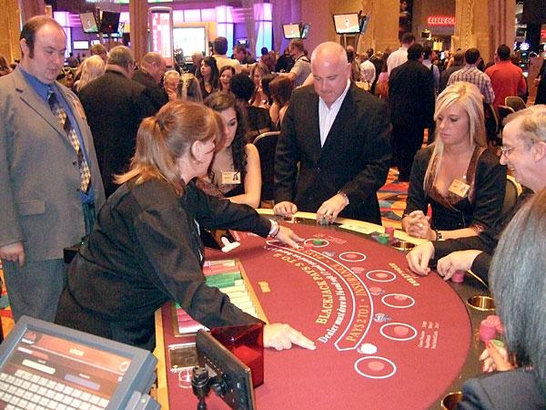 Legalizing table games, like Blackjack, in Maryland would create an estimated 1,880 jobs, a new report says.
