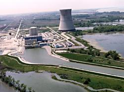 FirstEnergy's Corp.'s Davis-Besse nuclear power plant has started generating power for the first time in five weeks.