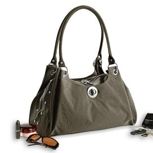 Baggallini, a Portland-based accessory maker, is set to become a subsidiary of PIckerington-based R.G. Barry Corp. in a nearly $34 million deal.