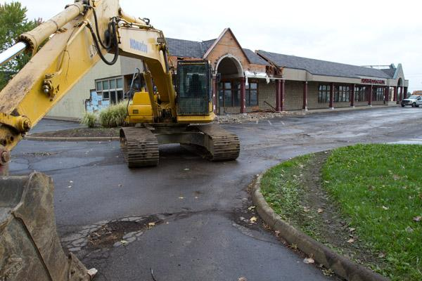 The Borders at Kenny and Henderson roads will be partially torn down to make way for new retail space.