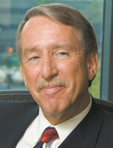 Veteran litigator Kevin McDermott is joining Barnes & Thornburg, boosting the law firm's Columbus office.
