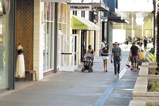 The Scottsdale Quarter shopping center.