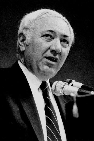 The Citizen Journal captured Melvin Schottenstein addressing the Columbus Rotary Club in 1985.