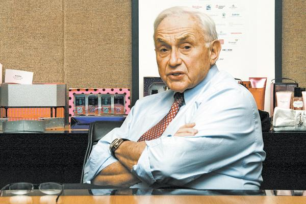Les Wexner remained Ohio's richest person, and ranked No. 276 worldwide, according to Forbes.