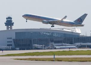 The president of the Allied Pilots Association is urging members to vote for a tentative deal with American Airlines.