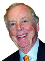 <strong>Pickens</strong> pulls out of Chesapeake, turns on gas