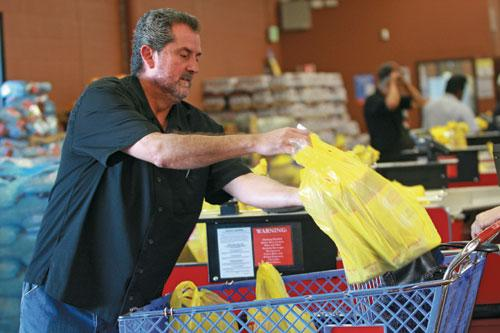 Dallas is considering an ordinance that would ban single-use bags at retailers.