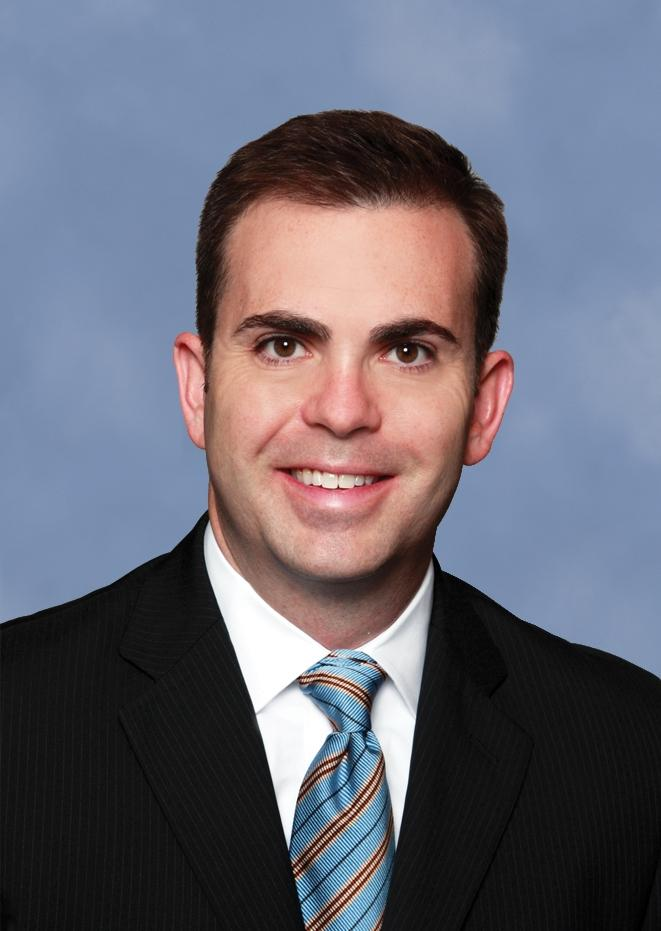 Will Sale served as a vice president at Grubb & Ellis.