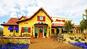 Le Duff America is buying the  Mimi's Café chain from Bob Evans Farms Inc.