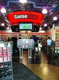 GameStop's mobile, digital sales rise, earnings drop