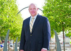 Klyde Warren Park CEO Mark Banta has resigned from his post in a surprise announcement Friday.