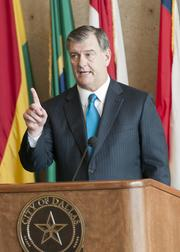 Dallas Mayor Mike Rawlings says the new golf course will help stimulate development in South Dallas.