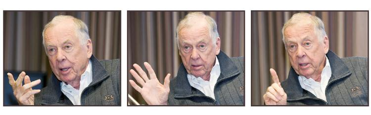 6 things you may not know about T. Boone Pickens• 1956, T. Boone Pickens started his first energy venture, Mesa Petroleum, with $2,500.• The 2008 inauguration of President Barack Obama was the only Democratic presidential event Pickens ever attended.• He named his first discovery in the North Sea 'the Beatrice Field' for his second wife.• He has a Papillon dog named Murdock II.• Former Houston Mayor Bill White proclaimed May 16, 2007 as T. Boone Pickens Day.• In 1986 and 1990, Pickens considered running for Texas governor.