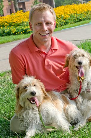 "Keith Johnson is gearing up for a March launch of Petbrosia.com, which is being billed as a ""super premium"" formula that is customized for individual pets and delivered directly to consumers."