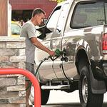San Antonio drivers continuing to pay more for gas