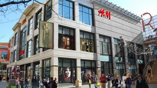 Artist's rendition of the H&M store soon to open on the 16th Street Mall.