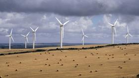 U.S. companies built record 13.2 gigawatts worth of new wind power capacity in the country in 2012.
