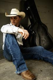 Cody Johnson sings on March 8.