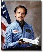 NASA mourns death of former astronaut Lounge