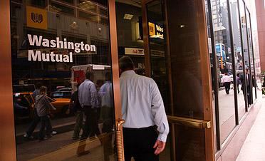 A lawsuit charges that Washington Mutual gutted its loan risk control unit.