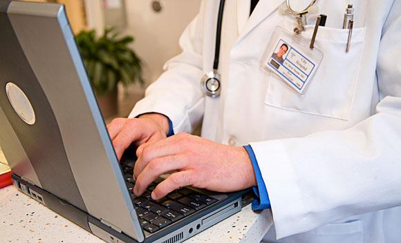 Study says change is not coming fast enough with health records.