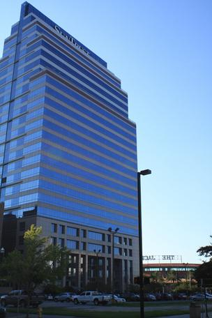 Parador Group, the majority owner of the SunTrust Tower in Downtown Jacksonville, has acquired another 60,000 square feet of the building.