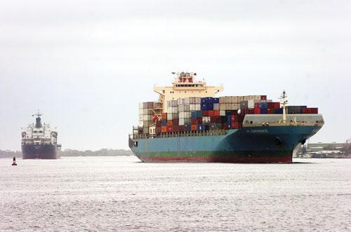 Large, heavily-loaded container ships can only access the port about eight hours a day due to a hydrological condition where the St. Johns River and the Intracoastal Waterway meet.