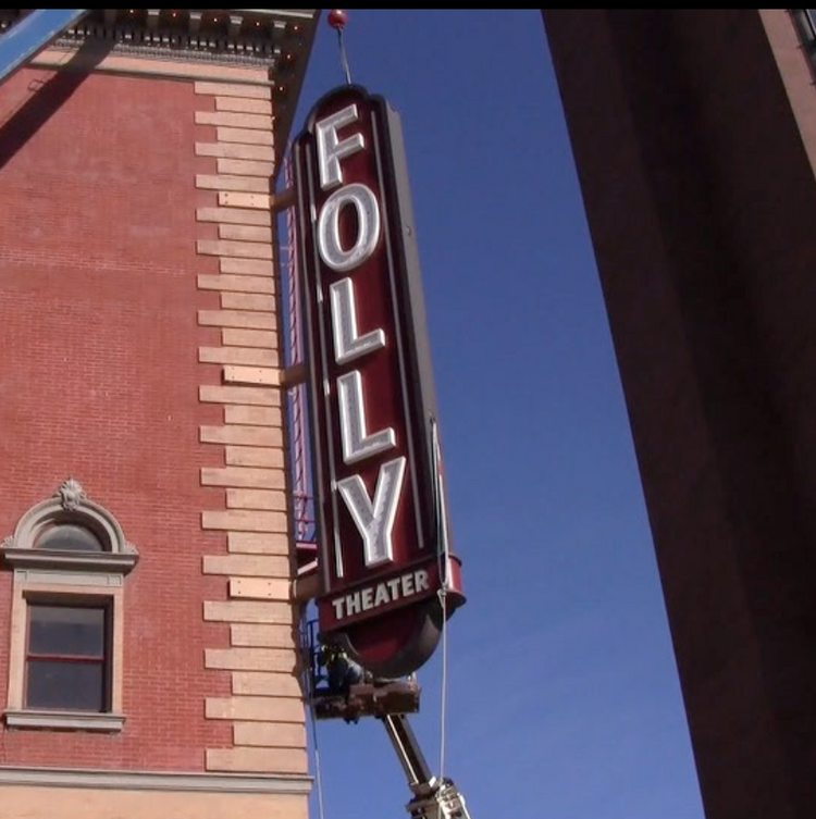 Kansas City's Folly Theater has erected a nearly 32-foot-high sign to proclaim its presence in Downtown.