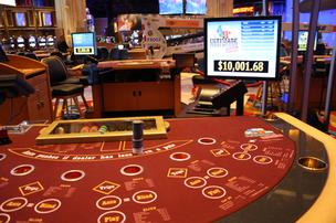 Hollywood Casino at Kansas Speedway poker table