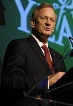 Hoenig targets Fed, Wall Street, big banks in Denver talk