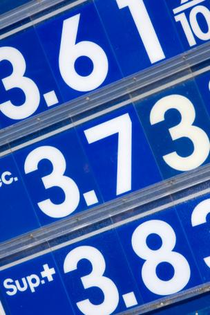 Nationally, the average price of gas fell 9.6 cents per gallon last week, to $3.56 per gallon. That price has declined 23.1 cents during the past month but is up 10.2 cents from a year ago.