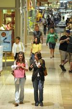 Retail sales grow slowly nationally, but not at Oak Park Mall