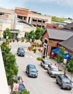 Bomb threat clears building at Kansas City's Zona Rosa shopping center