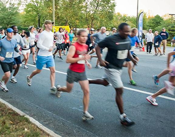 JE Dunn Construction sponsors the Dunn Run 5K Race, which benefits Camp Hope and Kidz2Leaders.